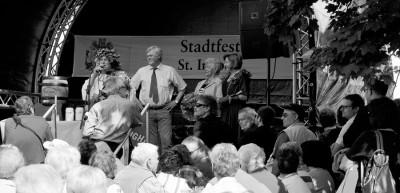 Feierliche Eröffnung des St. Ingobertusfestes mit Bacchus, OB Hans Wagner, mit Irmgard Gromöller, BM der Nachbargemeinde Rodt unter Rietburg und der »Bacchine«