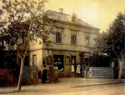 Wohn- und Geschäftshaus, um 1900