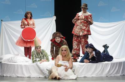 Ariadne auf Naxos – Premiere am 30. März – Landesbühnen Sachsen mit: Iris Stefanie Maier, Peter Diebschlag, Kazuhisa Kurumada, Stephanie Krone, Hagen Erkrath und Andreas Petzoldt