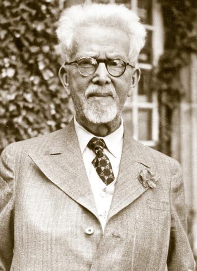 Prof. Högg