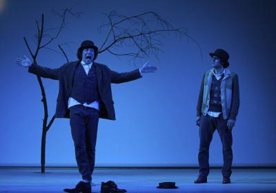 »Warten auf Godo«, Szene mit Grian Duisberg und Michael Berndt-Cananá