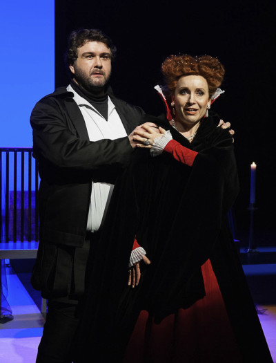 »Don Carlo«, Szene mit Christian Salvatore Malchow und Stephanie Krone Foto: H. König