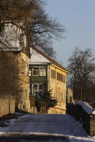 Oberes Ende der Weinbergstraße, Gebäudeensemble des ehemaligen »Weinguts Hofmannsberg« Foto: S. Graedtke