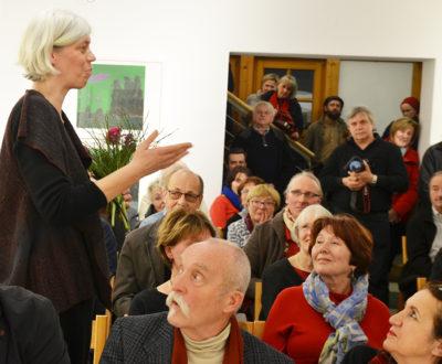 Mara Woldt ergreift spontan das Wort